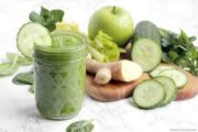 فواید مصرف صبحگاهی نوشیدنی های سبز سم زدا