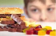 بدغذایی کودکان عامل خطر است/بستنی نباید جایگزین لبنیات شود