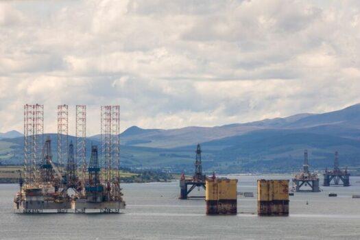 برای فروش نفت باید قواعد بازار بینالمللی را بدانیم