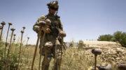 کرزای: آمریکا خیلی وقت است در جنگ افغانستان شکست خورده/ تنها راه، گفتوگو با طالبان است